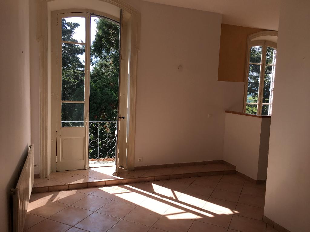 Appartement Saint Pierre La Palud 3 pièce(s) 105.2 m2